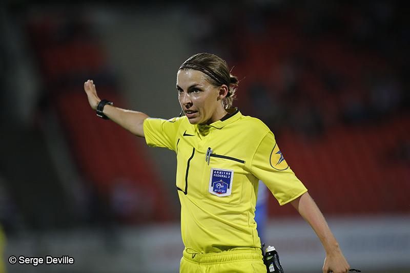 Stéphanie Frappart meilleure arbitre du monde 2019 - Football Féminin - Sport Féminin - Femmes de Sport